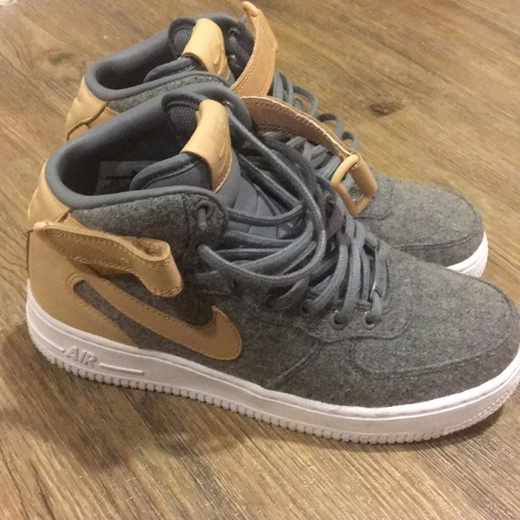 Nike mid air force 1 gray and nude leather sneaker